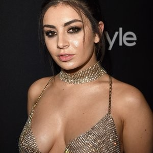 Charli XCX Sexy (5 Photos) – Leaked Nudes