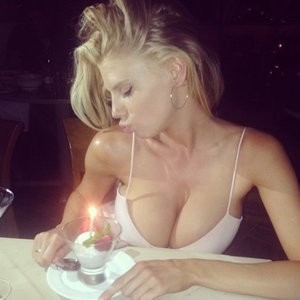Charlotte McKinney for Instagram (5 Photos) – Leaked Nudes