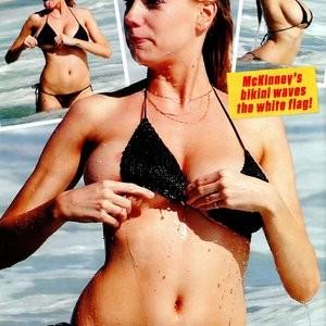 Free Nude Celeb Charlotte McKinney 003 pic