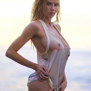 Charlotte McKinney Sexy (10 Photos) – Leaked Nudes