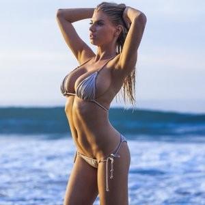 celeb nude Charlotte McKinney 002 pic