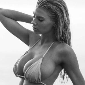 Nude Celeb Pic Charlotte McKinney 007 pic