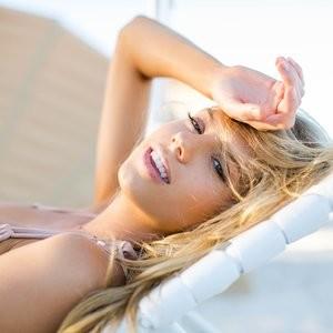 Leaked Celebrity Pic Charlotte McKinney 007 pic