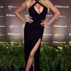 Free nude Celebrity Charlotte McKinney 013 pic