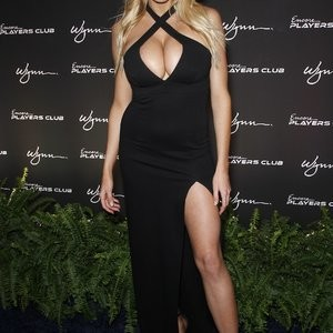 Famous Nude Charlotte McKinney 020 pic