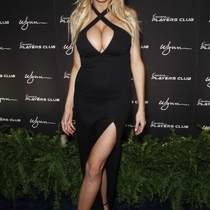 Real Celebrity Nude Charlotte McKinney 026 pic