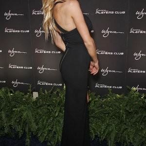 Celebrity Nude Pic Charlotte McKinney 033 pic