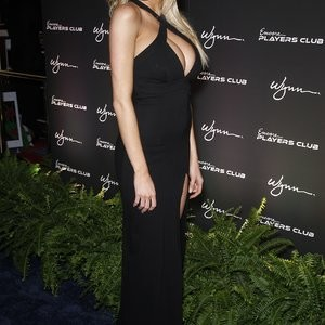 Celebrity Nude Pic Charlotte McKinney 037 pic