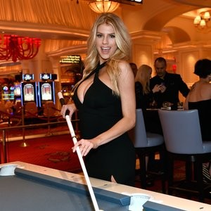 Naked celebrity picture Charlotte McKinney 041 pic