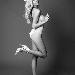Charlotte McKinney Topless (21 Photos) - Leaked Nudes