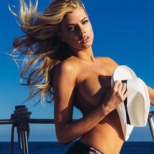Charlotte McKinney Topless (8 Photos) – Leaked Nudes