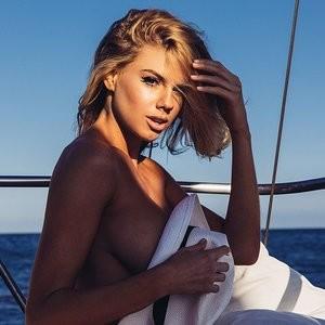 Celebrity Nude Pic Charlotte McKinney 002 pic