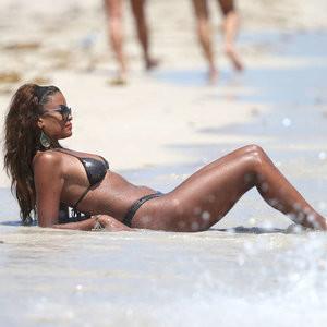 Claudia Jordan in a Bikini (9 Photos) - Leaked Nudes