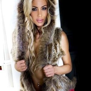 Dalia Elliott Sexy & Topless (5 Photos) – Leaked Nudes
