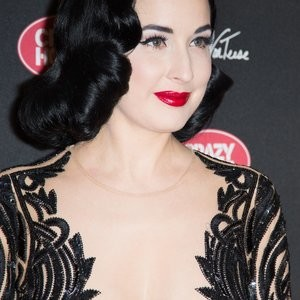 Famous Nude Dita Von Teese 014 pic