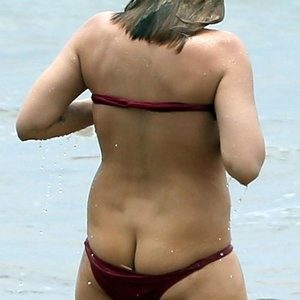 Elisabeth Harnois Ass (2 Photos) - Leaked Nudes