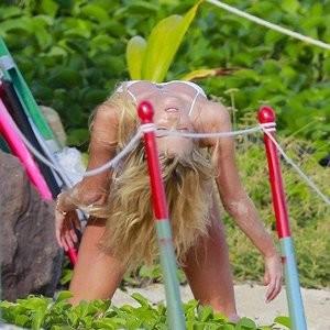 Nude Celeb Elsa Hosk 011 pic