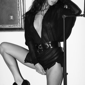 Nude Celebrity Picture Emilie Payet 012 pic