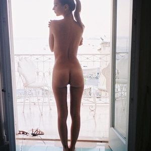 Emily Ratajkowski Naked (2 New Photos) – Leaked Nudes