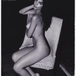 Nude Celebrity Picture Emily Ratajkowski 011 pic