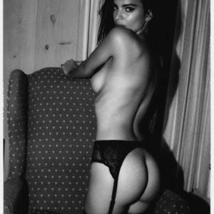 Nude Celebrity Picture Emily Ratajkowski 033 pic