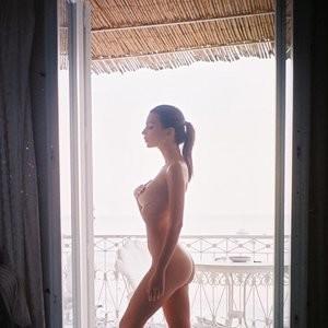 Emily Ratajkowski Nude (1 New Photo) – Leaked Nudes