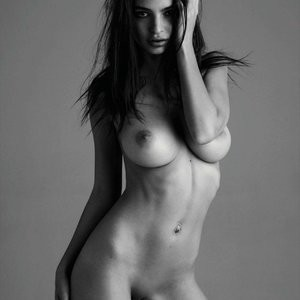 Newest Celebrity Nude Emily Ratajkowski 006 pic