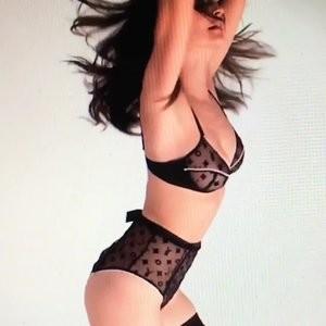 Naked Celebrity Emily Ratajkowski 005 pic