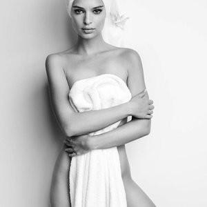 Emily Ratajkowski Sexy (1 Photo) – Leaked Nudes