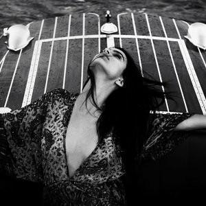 nude celebrities Emily Ratajkowski 015 pic