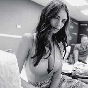 Newest Celebrity Nude Emily Ratajkowski 004 pic