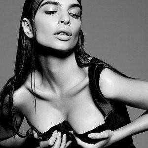 Emily Ratajkowski Sexy (5 Photos) - Leaked Nudes
