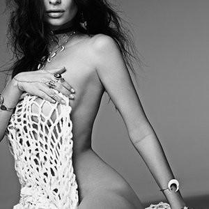 Nude Celeb Pic Emily Ratajkowski 002 pic