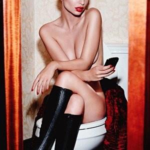 Emily Ratajkowski Sexy (9 Photos) - Leaked Nudes