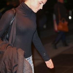 Famous Nude Emma Watson 002 pic