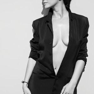 Emmanuelle Chriqui Braless (4 Photos) – Leaked Nudes