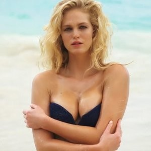 Best Celebrity Nude Erin Heatherton 009 pic