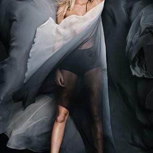 Best Celebrity Nude Erin Heatherton 006 pic