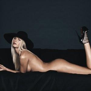 nude celebrities Erin Heatherton 010 pic