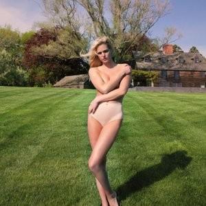 Celeb Naked Erin Heatherton 001 pic
