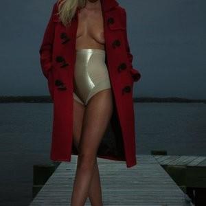 Celeb Nude Erin Heatherton 003 pic