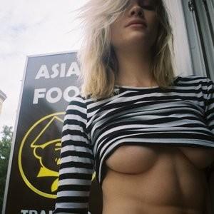 Eva Biechy Topless (2 Photos) - Leaked Nudes