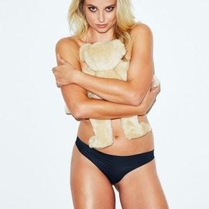Nude Celeb Genevieve Morton 001 pic