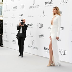 Gigi Hadid Cleavage (6 Photos) - Leaked Nudes