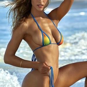 Newest Celebrity Nude Hannah Ferguson 007 pic