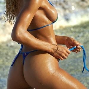 Celeb Nude Hannah Ferguson 008 pic