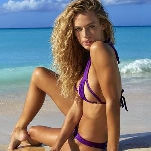 celeb nude Hannah Ferguson 027 pic