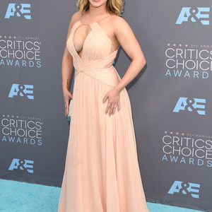 Hayden Panettiere Cleavage (22 Photos) – Leaked Nudes