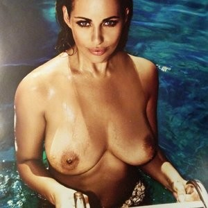 Hot Naked Celeb Holly Peers 006 pic