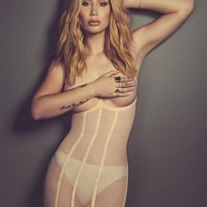 Iggy Azalea Topless (2 Photos) – Leaked Nudes